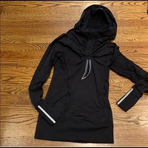 Lululemon pullover with cinch